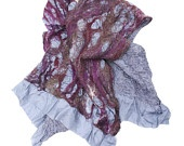 Grijs paarse sjaal. Groet omslagdoek. Grijze zijde en paarse merino wol.