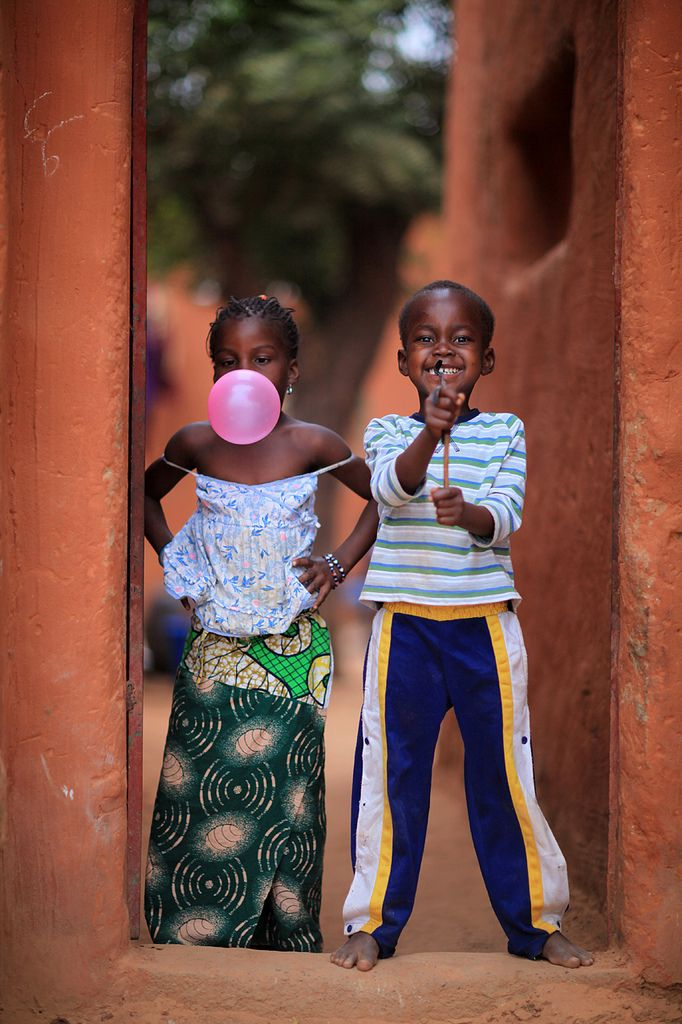 souls-of-my-shoes:    Happy children in Segou, Mali (by marsoyann)