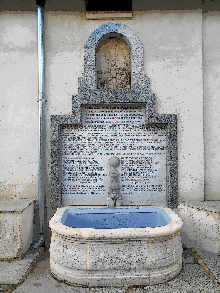 Fuente de la Ermita del Santo. De ella brota el agua del Manantial Milagroso de la finca en la que trabajño el patrón de Madrid. Se sabe de su existencia en el siglo XIII