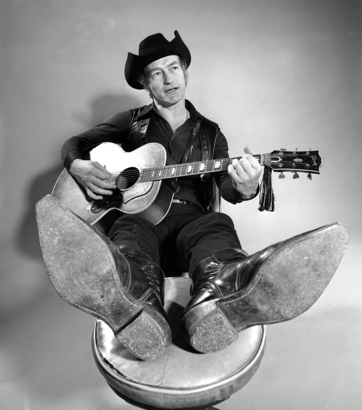 Stompin' Tom Connors before he wears out the soles of his boots