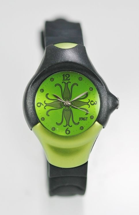 Timex Watch Womens/Youth Green Easy Read Water Resistant Black Plastic Quartz