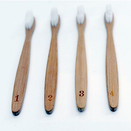 Numerals Toothbrush Set