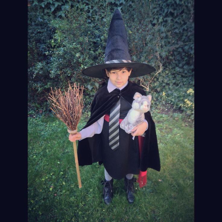 Worst Witch (Mildred Hubble) costume, world book day dress up.