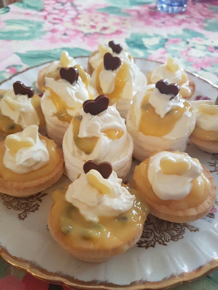 Passion fruit and lemon  tarts