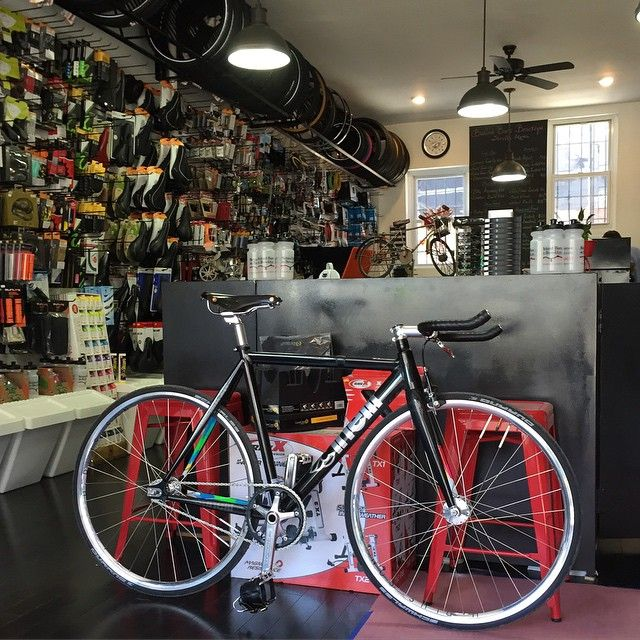"""""""It's never too cold to ride!  Dropped by the friendly local bike shop to buy parts!  @behindbarsinbrooklyn #behindbarsinbrooklyn #mashsf #mashhistogram…"""""""