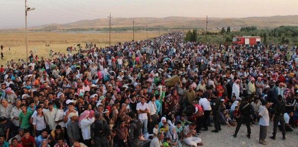 Thousands of Syrian refugees pour into Kurdish region of Iraq; aid workers struggle to keep up - The Washington Post