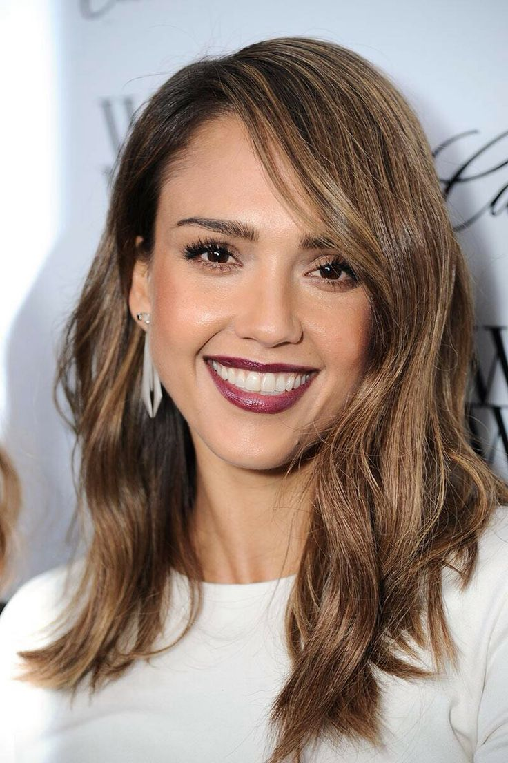 Jessica alba. love the hair and lip stick