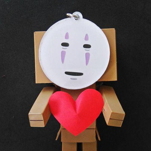 """I don't have enough gold, please take my heart instead…"" . . Ahahaa #danbo ft. #kaonashi   #danboard #cosplay #toy #figurine #noface #kamen #spiritedaway #yotsuba"