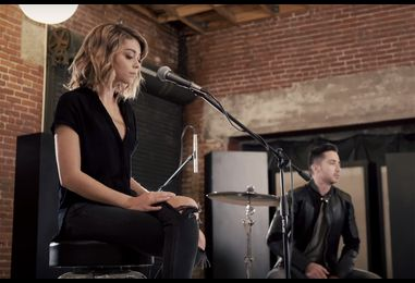 Watch 'Modern Family' Star Sarah Hyland Cover The Chainsmokers' 'Closer' With Boyce Avenue
