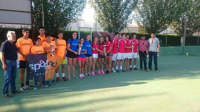 Finalizó el Campeonato de Extremadura en categoría cadete disputado en el Club de Tenis Puebla, con victoria en las dos categorías, masculina y femenina del Club de Tenis Cabezarrubia.