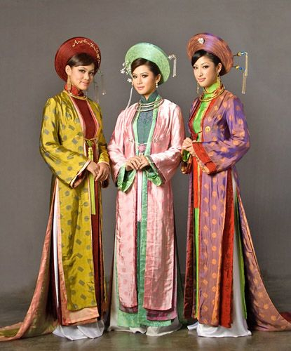 Vietnamese Traditional Clothing: Ao Dai ( Long Dress)