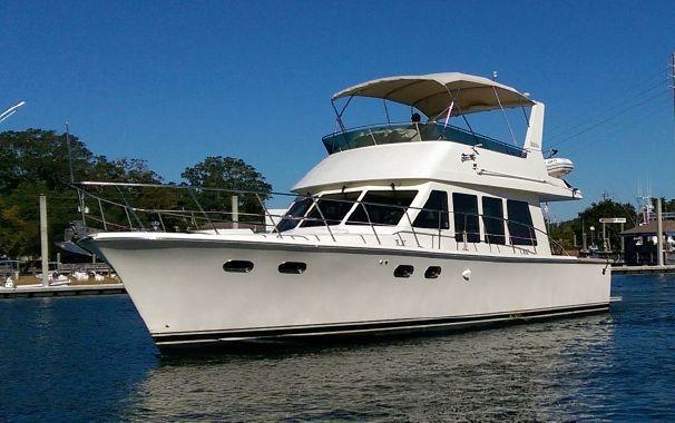 2004 McKinna 481 Sedan Bridge Power Boat For Sale - www.yachtworld.com
