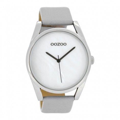 Koop dit OOZOO Timepieces Grijs/Zwart horloge C8395 (45 mm) horloge online in onze webwinkel.                     Dit is een dames horloge met een quartz uurwerk.                             De kleur van de kast is zilver en de kleur van het uurwerk is wit.                             De kast is gemaakt van rvs en de band van het horloge van leer.                             Het uurwerk is analoog en er wordt gebruik gemaakt van mineraalglas.                               ...