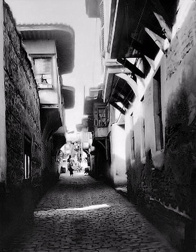 Δρομάκι στην Άνω Πόλη - φωτογραφία του Paul Collart