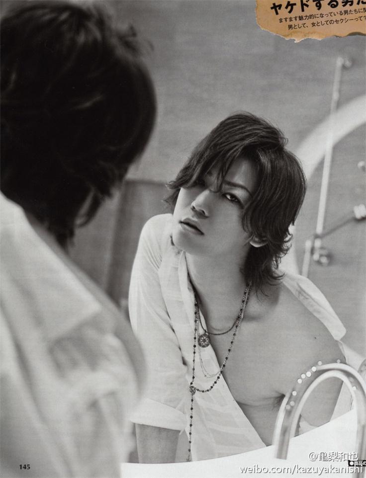 鏡越しの妖艶な亀梨和也。