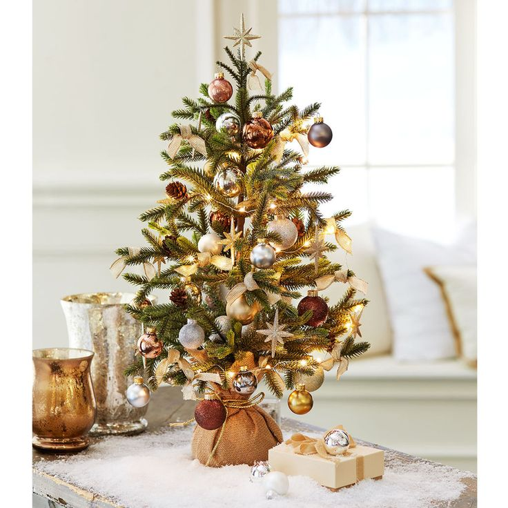 Decorate The Small Spaces With This DIY Silver And Gold Miniature Christmas  Tree