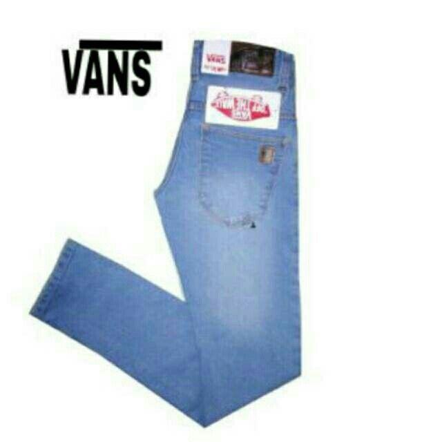 Saya menjual Celana vans seharga Rp160.000. Dapatkan produk ini hanya di Shopee! https://shopee.co.id/ablehtasik/244438554/ #ShopeeID
