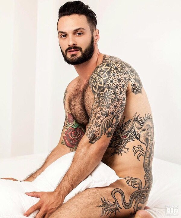 1000 images about tattooed man on pinterest tatuajes for Naked men tattoo