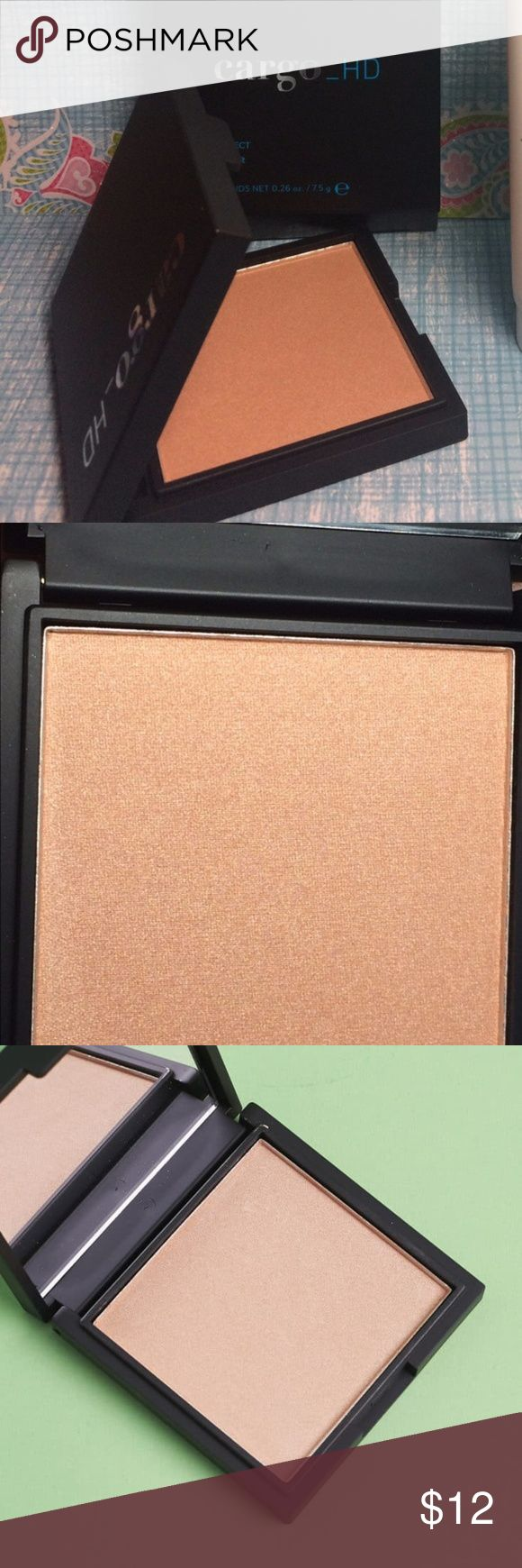 Cargo HD Highlighter in Bronze NIB from FabFitFun Formulated for high definition filming, Cargo_HD Highlighter in Bronze contains specialized photochromatic pigments that reflect light to provide a radiant picture perfect finish. Cargo Makeup