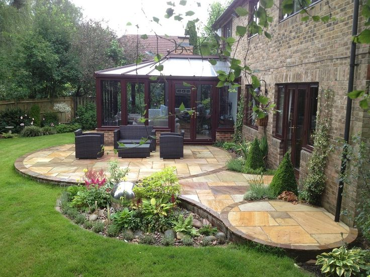 Exceptional 25+ Beautiful Circular Patio Ideas On Pinterest | Nice Small Garden Ideas,  Small Garden Borders And Small Patio Gardens