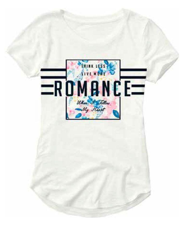 Meisjes zomer tshirt NITHOST van het kinderkleding merk Name-it.  Deze witte tshirt is voorzien van een korte mouw. De shirt heeft zwarte strepen met een kader en zwarte tekst, binnen het kader staan gekleurde bloemen.
