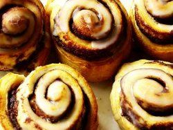 Oh So Easy Cinnamon Rolls ~   Gooey and oh-so-sweet, easy cinnamon rolls are a delight at Easter or year-round. Bring some sweet goodness into your home with this cinnamon rolls recipe. Prepare to have lots on hand, because these rolls go quickly!    Serves: 12    Cooking Time: 25 min