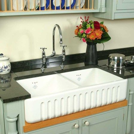 shaws ribchester white ceramic double bowl fluted apron front sink 795 x 465mm. Interior Design Ideas. Home Design Ideas