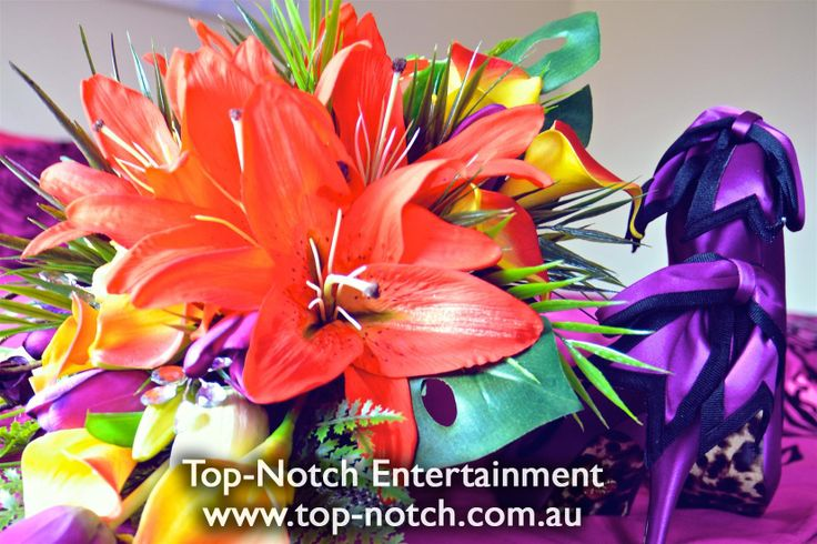 Wedding flower arrangements/floral arrangement.  www.top-notch.com.au  www.facebook.com/WeddingDJTopNotch
