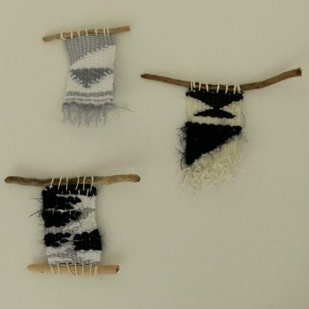 Le deuxième volet d'explications pour débuter en tissage. Un tuto simple pour vous lancer dans la confection de mini tissages en laine.