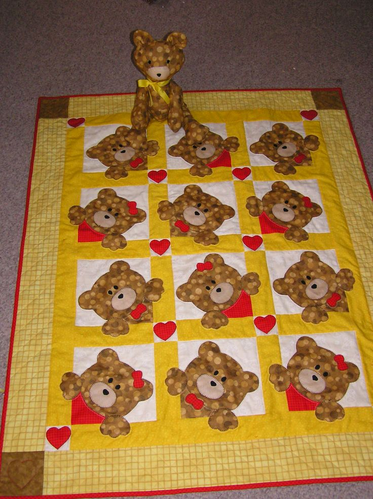 This is absolutely darling!!! Fabulous quilt!  Teddy bear baby quilt by Karen Brixner