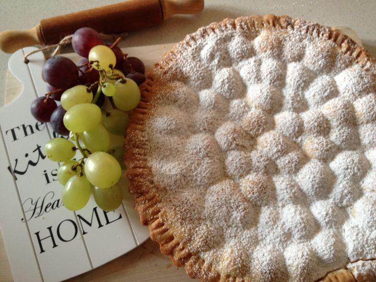 #crostata di #uva #ricotta al profumo di #cannella #cake #sweet #chiannamon #dessert #merenda #colazione #ricette #ricetta #dolce #dolci La trovate sul mio #blog www.impastastorie.com #followme on my #blog www.impastastorie.com #recipes #recettes