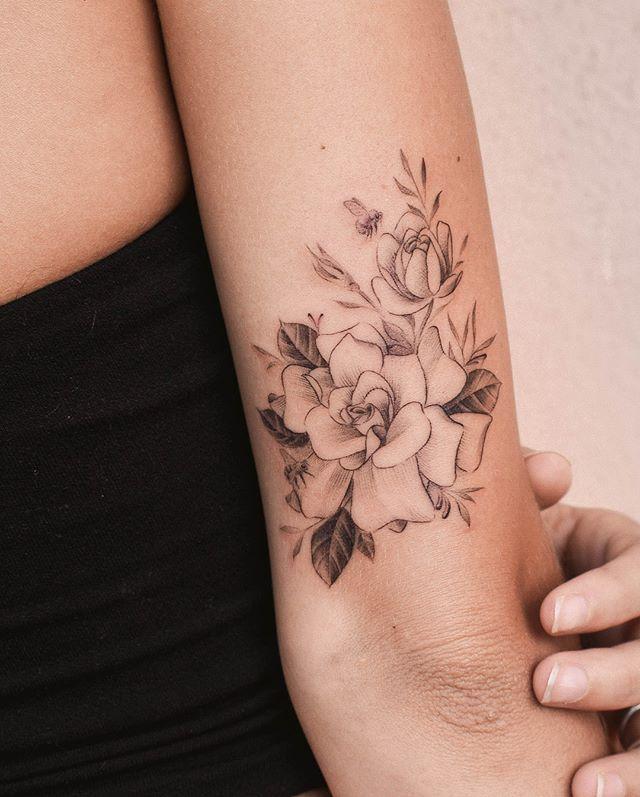 Gardenias Bees For Falyn Iristattoo Colortattoo Minimaltattoos Tat Tattrx Tatuaje Equilattera Tattoodo Iris Tattoo Tattoos Flower Tattoos