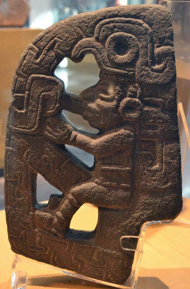 Device by the Olmecs Gods (Museo Nacional de Antropologia, Mexico).