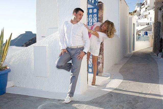 Won't you come inside? Oia village, Santorini island, Greece. - www.oiamansion.com