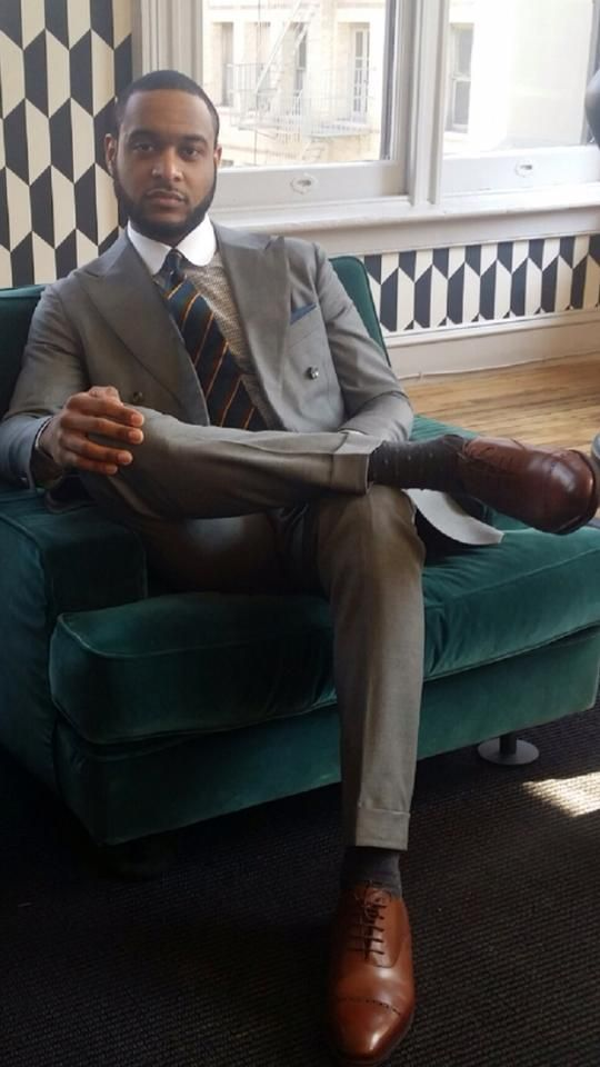 Really nice suit, bro, but i really like that wall pattern too. :/  http://www.womenswatchhouse.com/