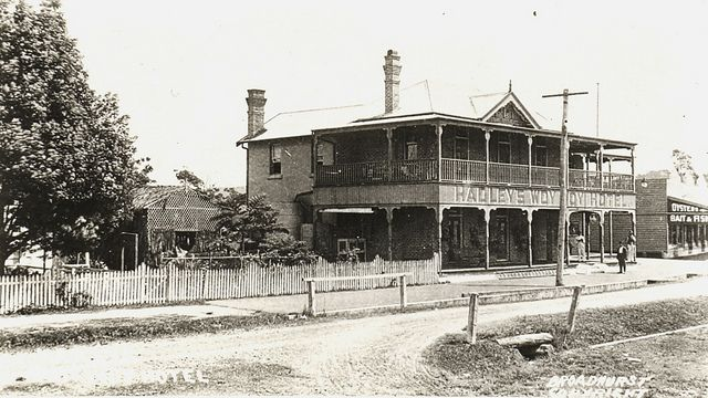 Woy Woy Hotel WW1 era by Gostalgia: local history from Gosford Library, via Flickr