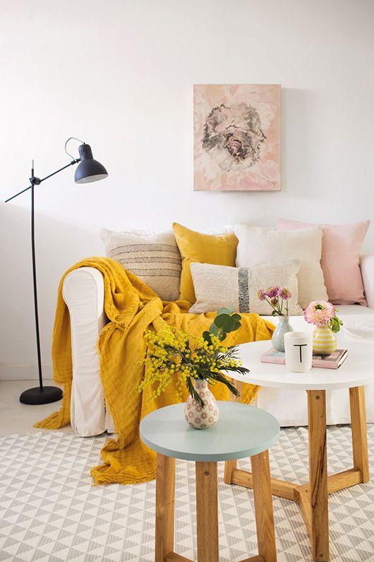 Délicate palette de couleurs en rose et jaune - sfgirlbybay