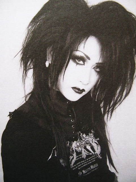 Mana - Moi Dix Mois  I love this outfit on him ❤️