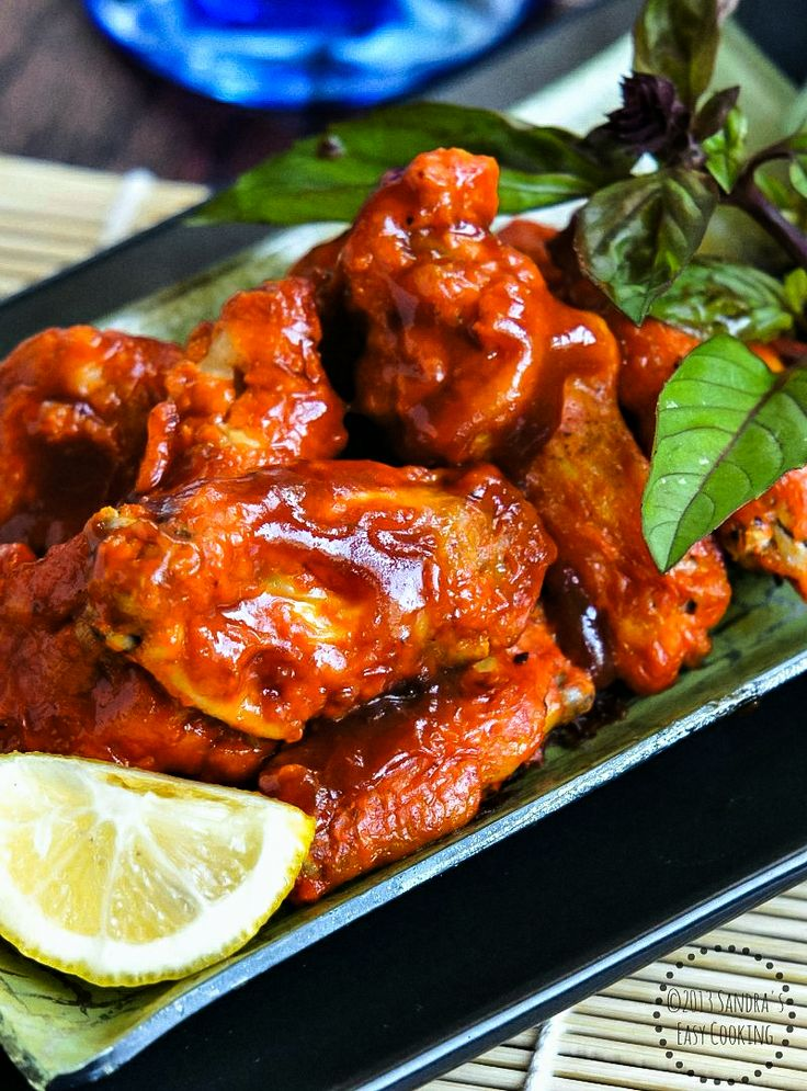 Chicken Wings in Honey-Sriracha Sauce @SECooking | Sandra #delicious