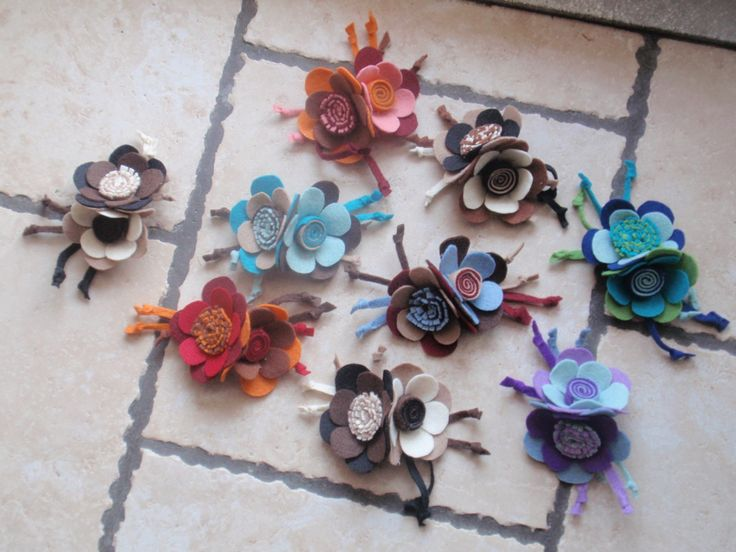 brooches-felt flowers