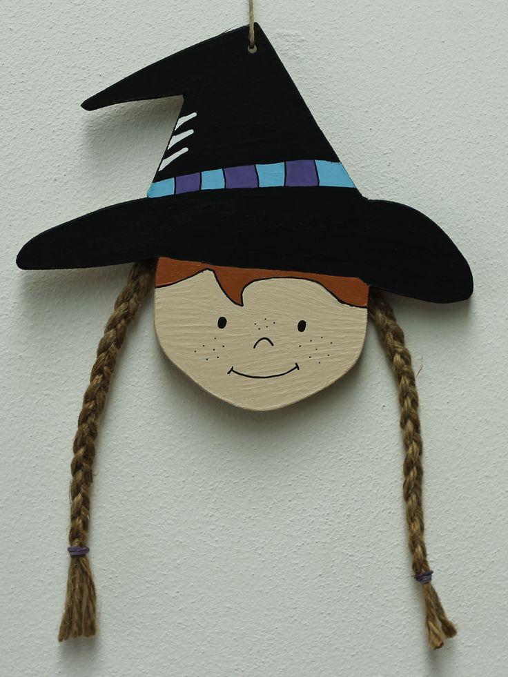 Witch face pendant by Atelier de Creakoffer / Heksengezicht hanger door Atelier de Creakoffer