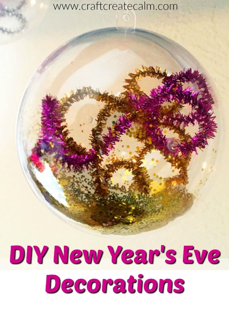 Easy diy New Year's Eve decorations for a New Year's Eve party. Glitter and sparkles make these ornaments both elegant and fun!