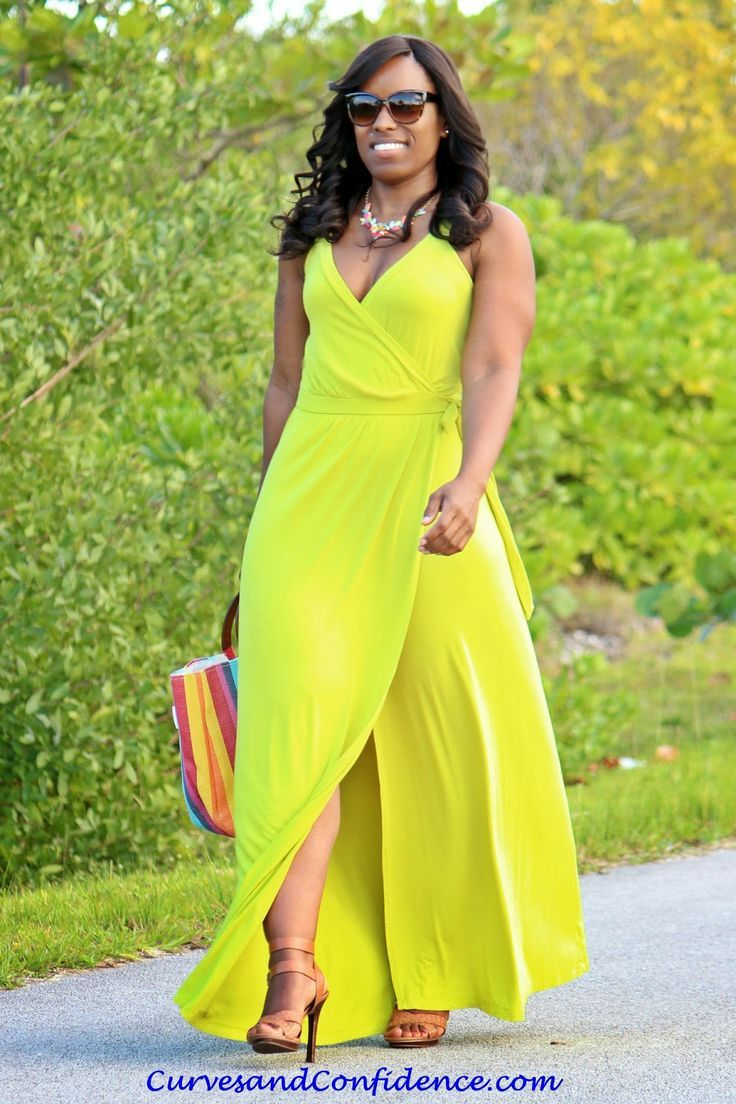 Curves and Confidence | Inspiring Curvy Women One Outfit At A Time: Weekend Wear: Old Navy Wrap Maxi Dress.