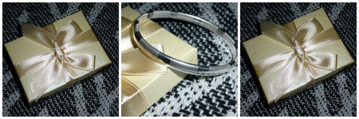 Op zoek naar een mooie slavenarmband of een ander sieraad? Kijk eens rond in deze webwinkel. Een recensie over een Slavenarmband van Mostert Juweliers.