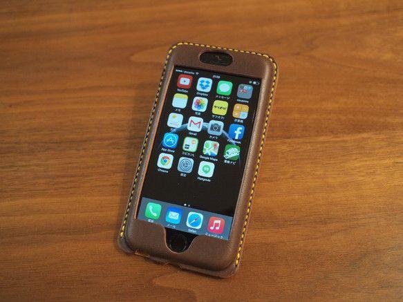 牛革の栃木レザーのサドルレザーを使用したiPhone6(4.7インチ)専用のオリジナルカバー・ケースです。市販の革のカバーによく付いているようなフリップ等を付...|ハンドメイド、手作り、手仕事品の通販・販売・購入ならCreema。
