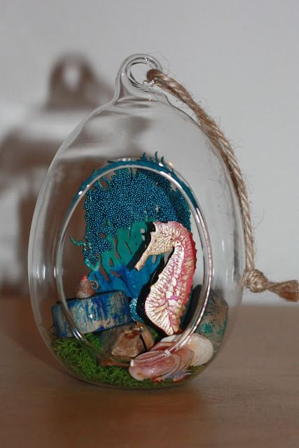 Hey folks, Lesley here with a sea assemblage for you.   This is the second hanging glass doodah i have done........you can see the other one...