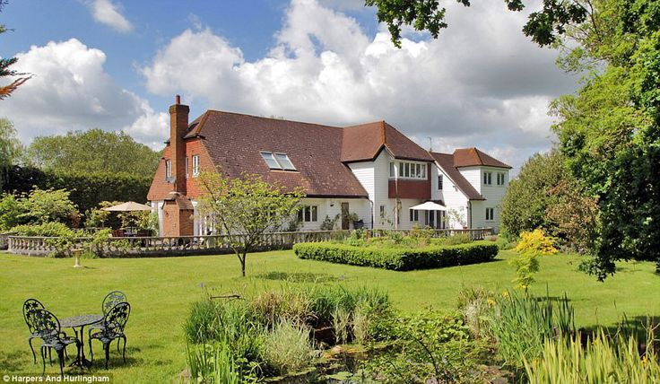 Masterchef's Gregg Wallace buys £1million five-bedroom country home #dailymail