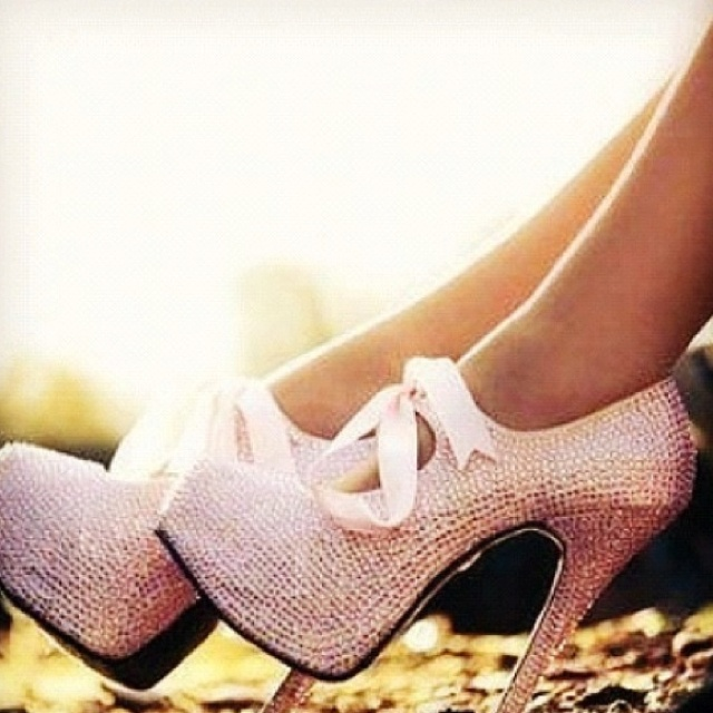 Heels: Bling, Cute Heels, Pretty Heels, Pink Heels, Big Hair, Beautiful Shoes, Pink Shoes, Ahh Pink, Ballerina Shoes
