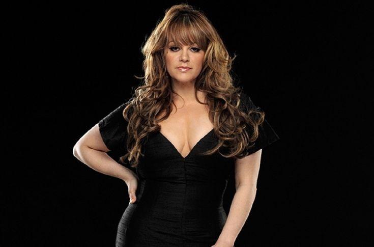 Jenny Rivera. - La cantante ha vendido tantos discos tanto viva como difunta, produciendo la nada despreciable cantidad de 7 millones de dólares después de su deceso.