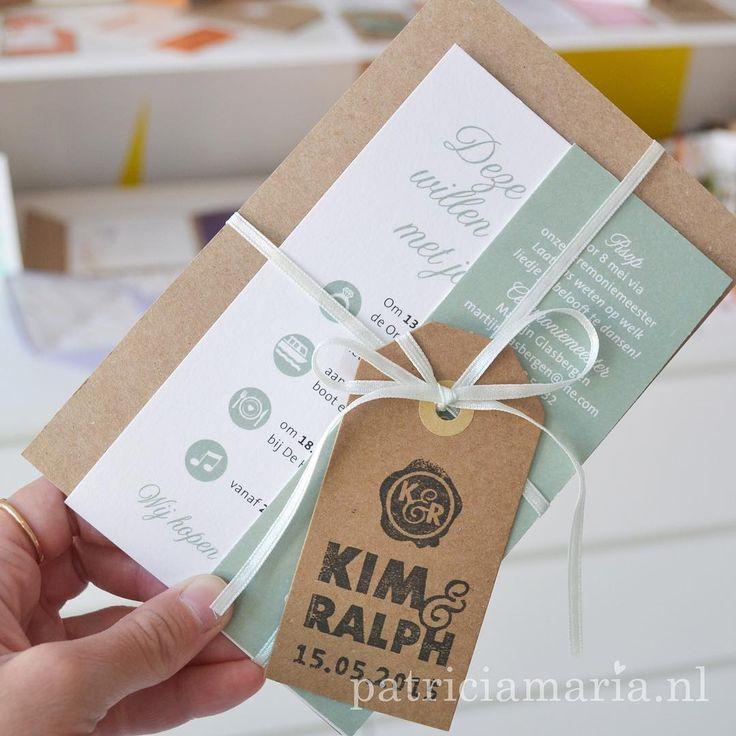 Een van mijn favoriete trouwkaarten, zoveel variaties mogelijk op dit ontwerp #trouwkaart #bruiloft #trouwerij #trouwkaarten #labels #kraft #kraftpapier #craft #papercraft #PatriciaMariaStudio